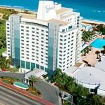 Eden-Roc-Hotel-luxury-travel-fanpop_com