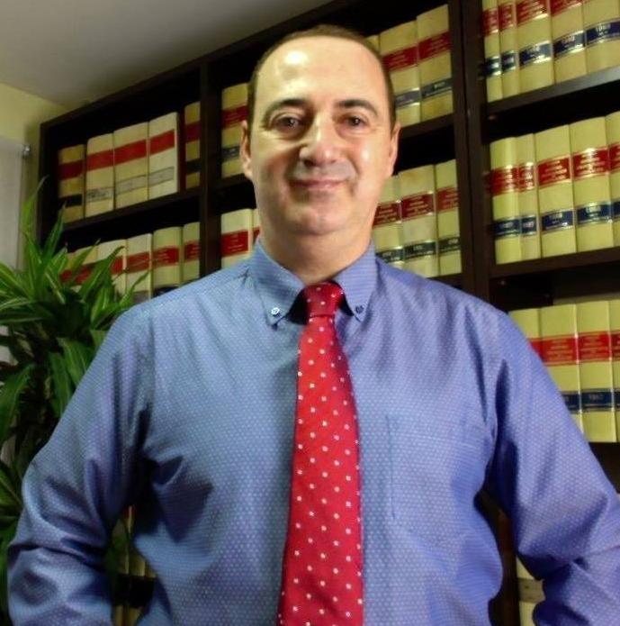 César Ciriano Vela, el abogado que defiende las viviendas en suelo rústico
